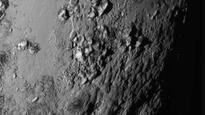 NASA's New Horizons Probe Click Pluto's Surface Like Never Before