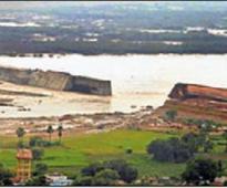 Godavari swells, three districts in Telangana put on alert