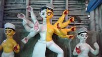 Kolkata: crowds throng to see transgender Durga idol