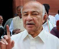 Kashmir unrest: Narendra Modi government should engage with separatists, says Sushil Kumar Shinde