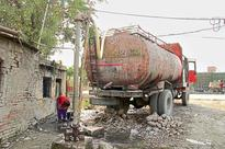 Groundwater depletes in Hapur, Gzb, green court issues notices