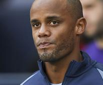 Champions League: Manchester City boss Pep Guoardiola says Vincent Kompany could 'be out for weeks'