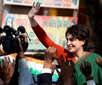 Cong favours Priyanka getting into active politics: Digvijaya
