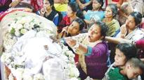 Manjush bids a teary adieu to Aneeta and Sanjo