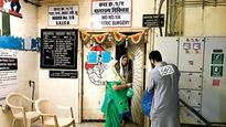 Good samaritans distribute 'Sehri' in city hospitals