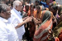 Yeddyurappa pays a flying visit to drought-hit Raichur district