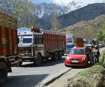 One-way traffic on Jammu-Srinagar highway