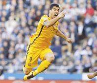 Suarez hits four in 8-0 Barca rout