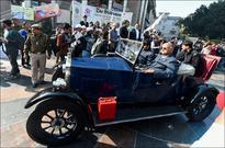 Vintage car rally grab eyeballs in national capital