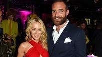 Kylie Minogue puts support behind same-sex marriage