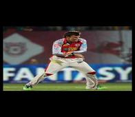 IPL 6: Gentleman Gilly does the unthinkable, mocks Pollard, Bhajji after win!