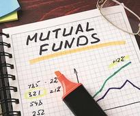Mutual Funds go against Amfi diktat, dole out higher fees to distributors
