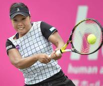 Nara breezes past Paszek at Japan Women's Open