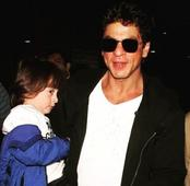It's CONFIRMED! Priyanka Chopra is NO longer a part of Shah Rukh Khan's Don 3!