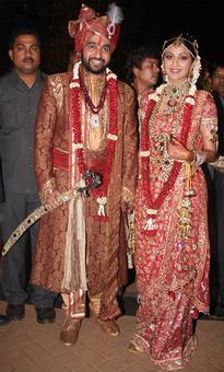 This is how the rich and famous tie the knot these days!