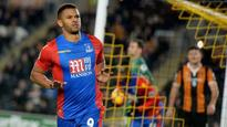 10:26Fraizer Campbell reflects on 'fond memories of Hull' after equaliser for Palace