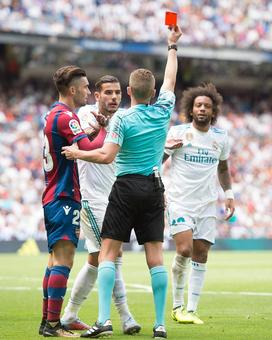 Wasteful Real Madrid held at home by Levante