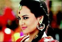 Milan Luthria calls Sonakshi Sinha as the star