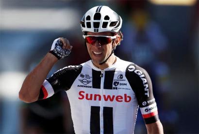 Tour de France: Froome regains control as Matthews wins stage 14