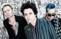 Green Day play house show in new music...