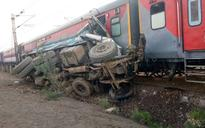 Kaifiyat Express derails off track near Kanpur on Delhi-Howrah route