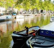 Amsterdam to pilot world's first self-drive boats