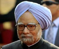 Manmohan Singh advises media to correct aberrations