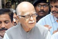 LK Advani's plane makes unscheduled landing in Hyderabad