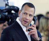 Alex Rodriguez signs deal with ABC News