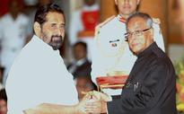 President Mukherjee gives away Padma awards
