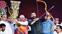 Politicos turn up to watch Ramleela on Dussehra