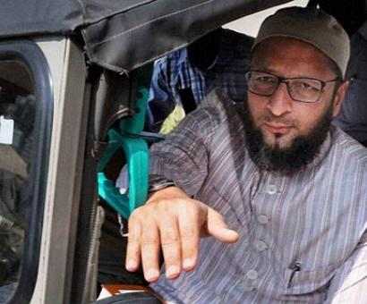 Owaisi slams PM for 'raincoat' remark, questions role in Gulbarg massacre