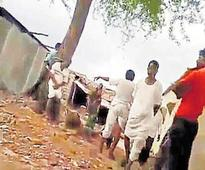Vijayapura: Youth elopes with girl, his father and brother thrashed by her relatives