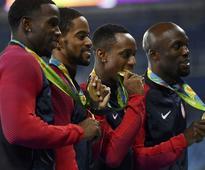 United States reclaim men's 4x400m title