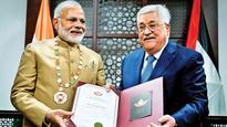 PM Modi wins hearts, is given Grand Collar