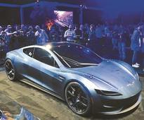 New $200,000 Tesla Roadster speeds ahead of electric truck