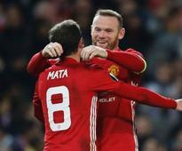 Rooney breaks Manchester United scoring record in Feyenoord Europa League win