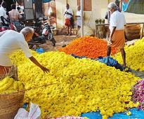 Flower rates shoot up in Thovalai market