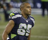 Doug Baldwin eloquently and fiercely demands justice while calling for police review