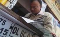 Even steven: Delhi sticker crooks have already devised odd-even jugaad