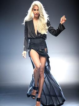 Like Lisa Haydon's Khaleesi look? Vote!