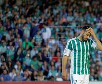 FÚTBOL BETIS - Westermann rescinde su contrato con el Betis y ficha por el Ajax