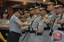 General Karnavian installs six provincial police chiefs