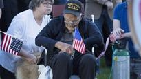 400 people show up to hear bagpipers salute dying veteran