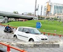 Auto strike + downpour: A forced night out for Delhiites working in Noida