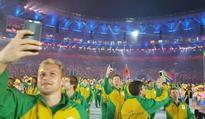 Wayde leads Team SA into Rio Olympics!