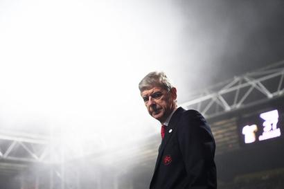 Calls for Wenger to be replaced as Arsenal stare at another exit