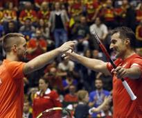 Davis Cup: Viktor Troicki, Nenad Zimonjic help Serbia set up semi-final clash against France