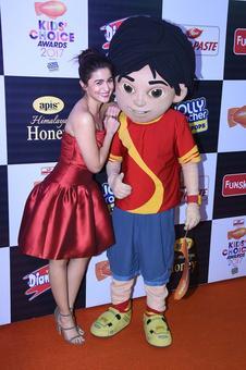 Alia, Varun, Ranveer at Nickelodeon Kids Choice Awards