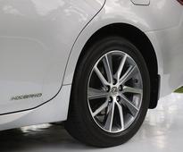 Lexus ES 300h Hybrid: Best of both worlds